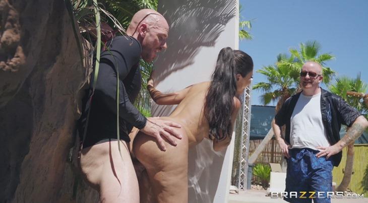 Ride the Wife - Lela Star gets fucked behind surfboard